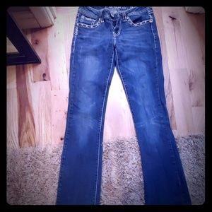 LA idol usa jeans